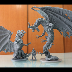 A mesmerizing scale comparison between the Feral Dragon, Carol Black-Oak, and the Necromantic Dragon. If you must know, the Necromantic Dragon stands 18.5cm tall, from base to wingtip.